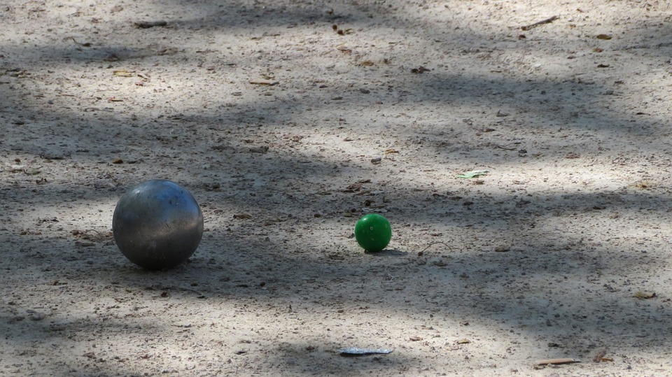 Comment pointer à la pétanque